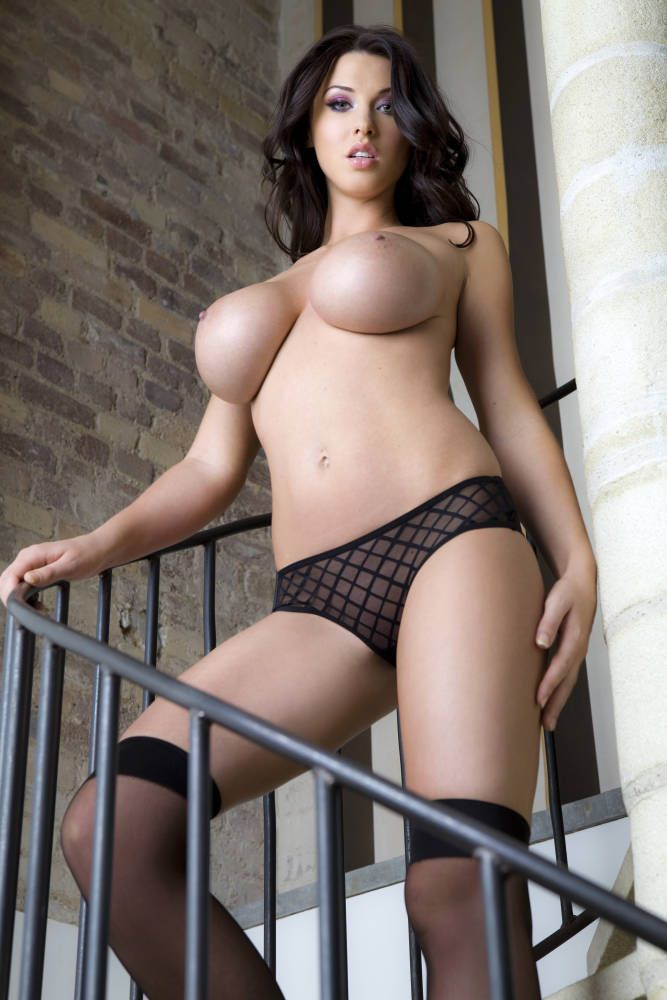 Gorgeous brunette Alice Goodwin - 04