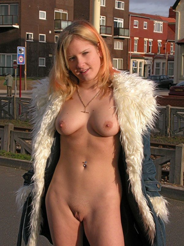 Excellent selection of nipslips and pussyslips in public - 05