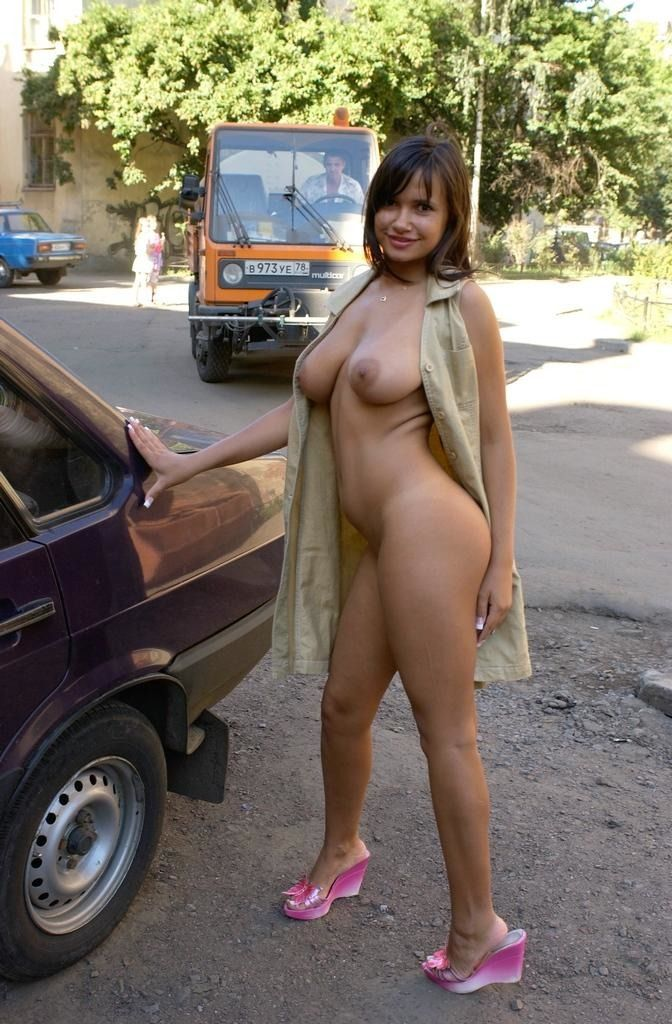 Excellent selection of nipslips and pussyslips in public - 27