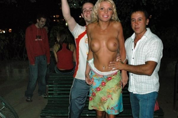 Excellent selection of nipslips and pussyslips in public - 30