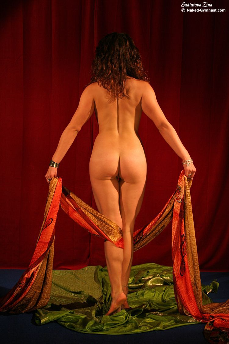 Movements of a naked gymnast - 33