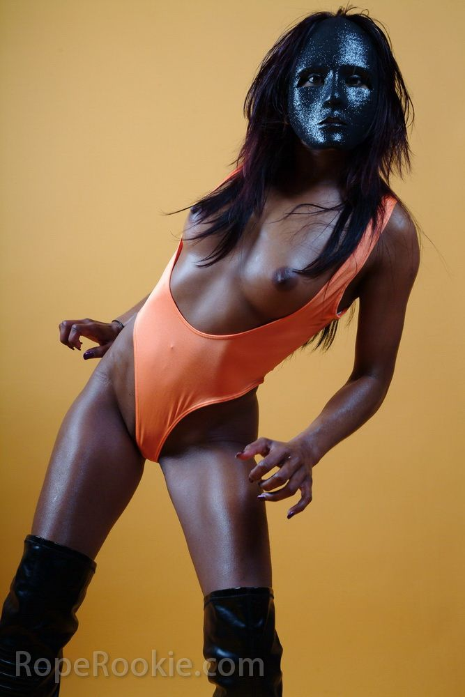 Indian hot muchacha in black mask - 02