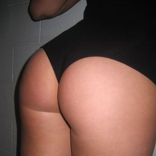 Hundreds of the best female booties according to American Apparel - 81
