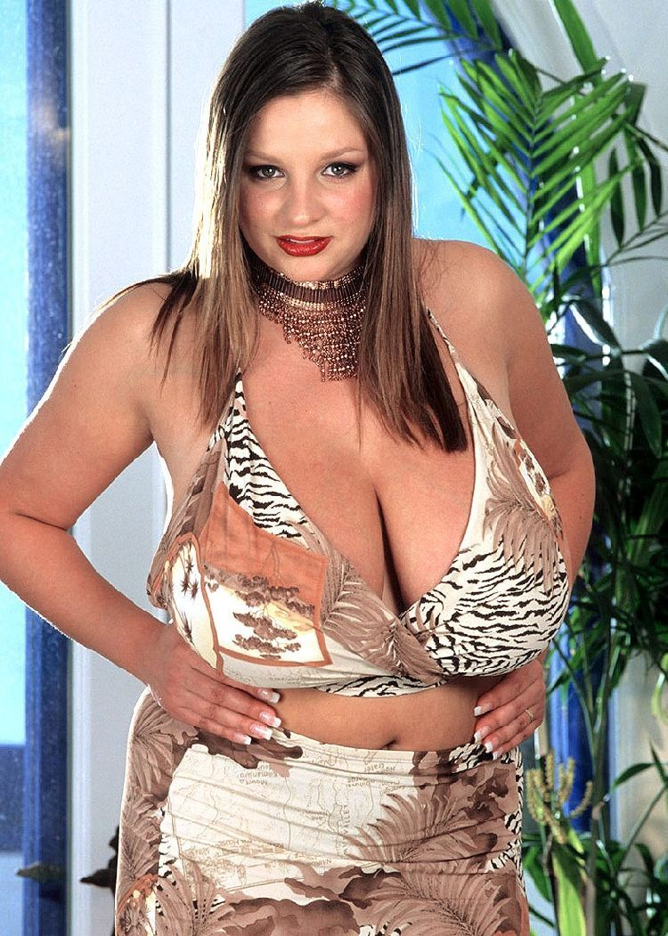 nadine jansen the owner of enormous breasts that can easily kill somebody 21 pics. Black Bedroom Furniture Sets. Home Design Ideas