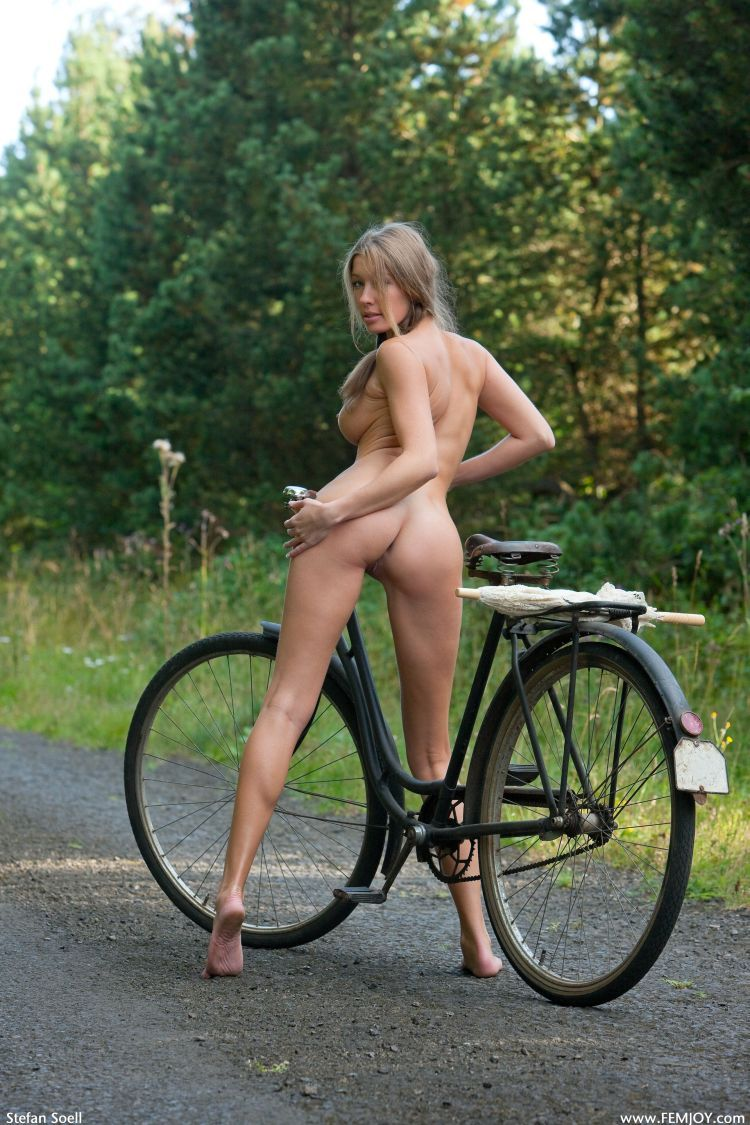 bike naked ass funny