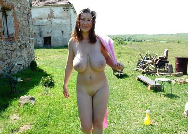 Girls that like to go naked in public places - 09