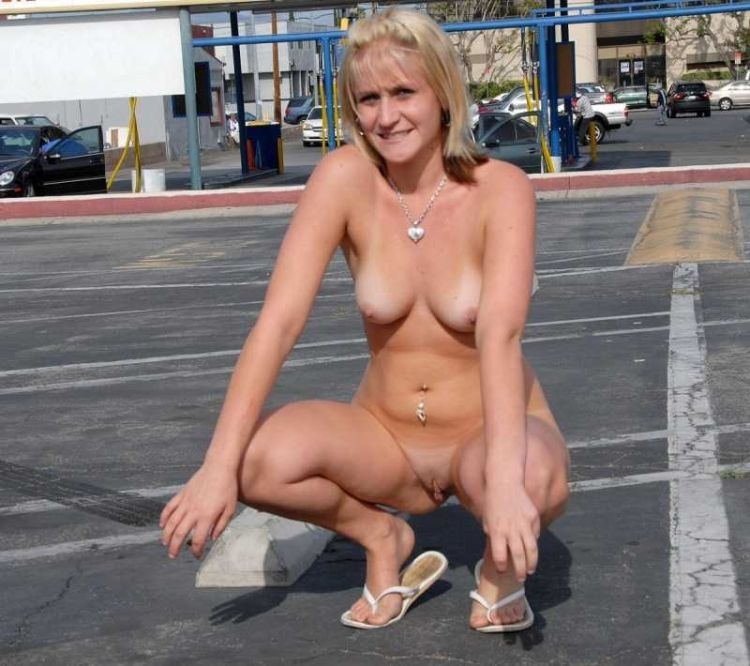 Girls that like to go naked in public places - 14