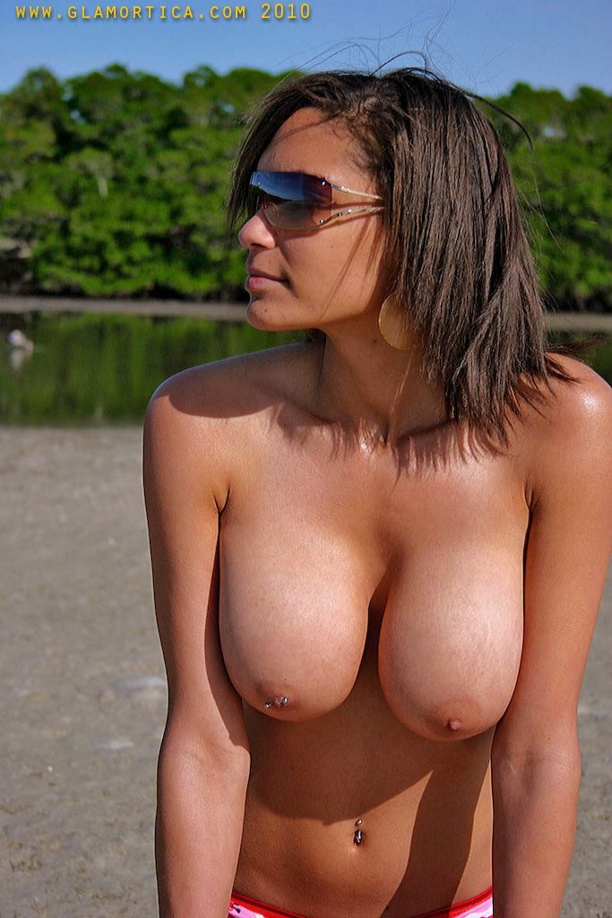 Jessica demonstrating her chic boobs at the lake - 16