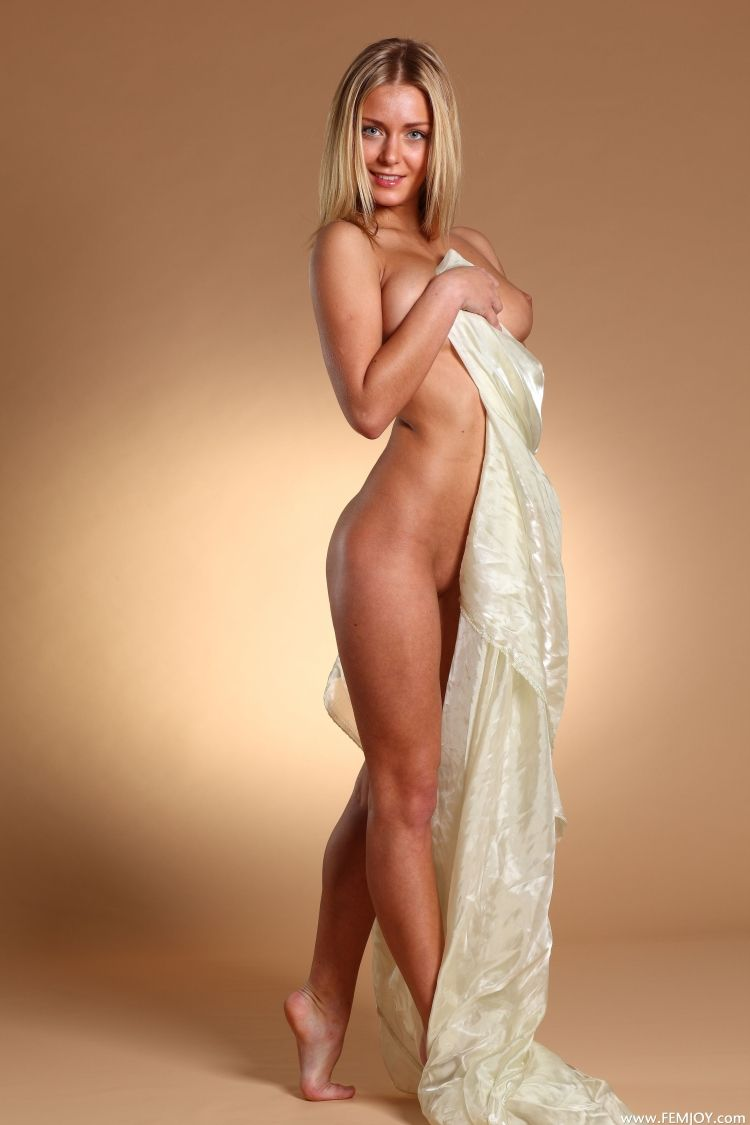The charming blonde with a stunning body - 06