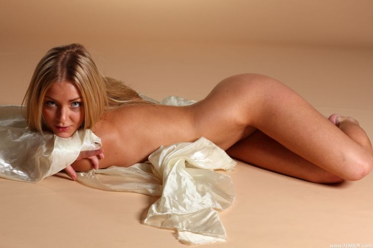 The charming blonde with a stunning body - 28