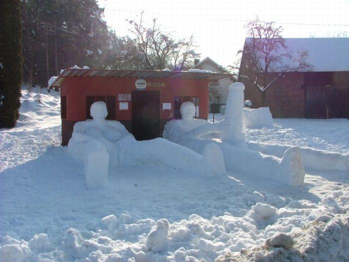 adult snow sculptures jpg 1152x768