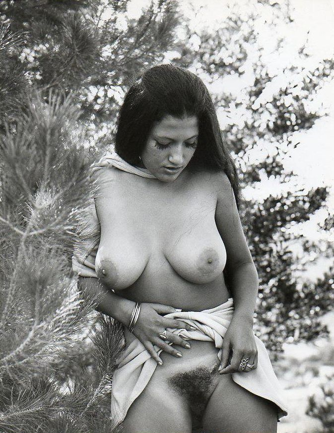 Selection of retro erotica - 43