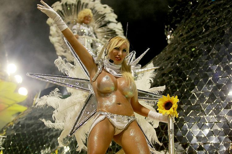 Hot Girls from Brazilian Carnival - 76