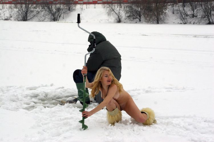 Naked blonde on a winter fishing - 04