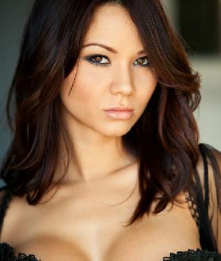 Hot babe Jennie Reid