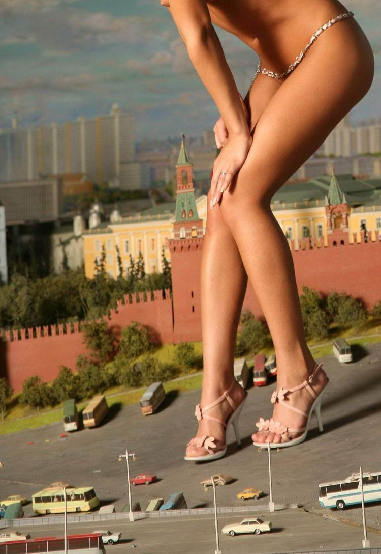 Sexy legs - a powerful magnet for men's eyes - 08