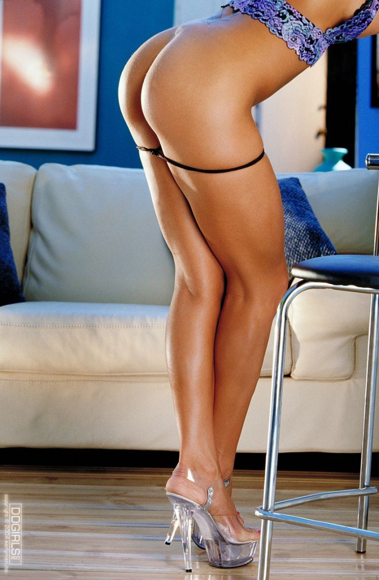 Sexy legs - a powerful magnet for men's eyes - 55