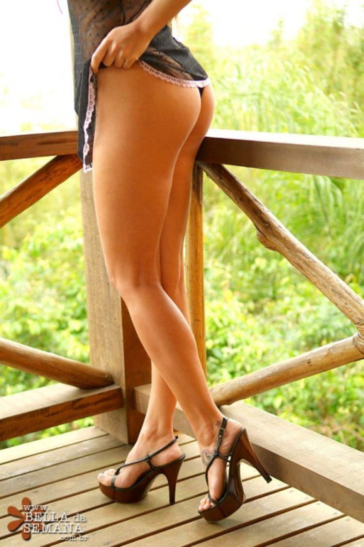 Sexy legs - a powerful magnet for men's eyes - 72