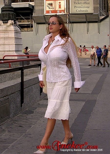 Anekee van der Velden - a supermodel with natural breasts with the size 10 - 02
