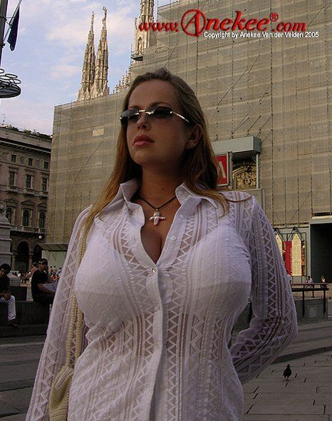 Anekee van der Velden - a supermodel with natural breasts with the size 10 - 03