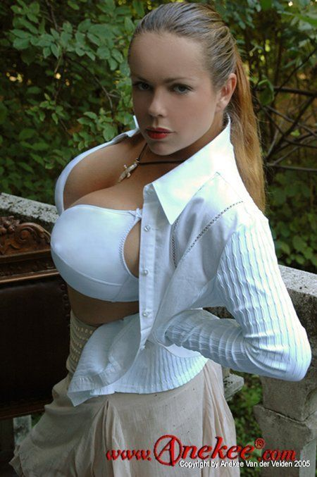 Anekee van der Velden - a supermodel with natural breasts with the size 10 - 29