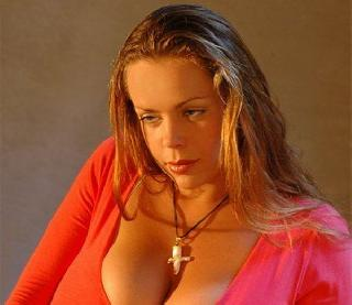 Anekee van der Velden - a supermodel with natural breasts with the size 10