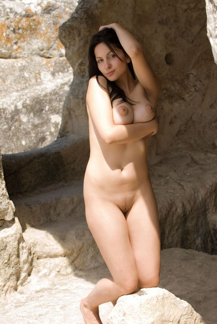Hot muchacha for lovers of natural forms - 22