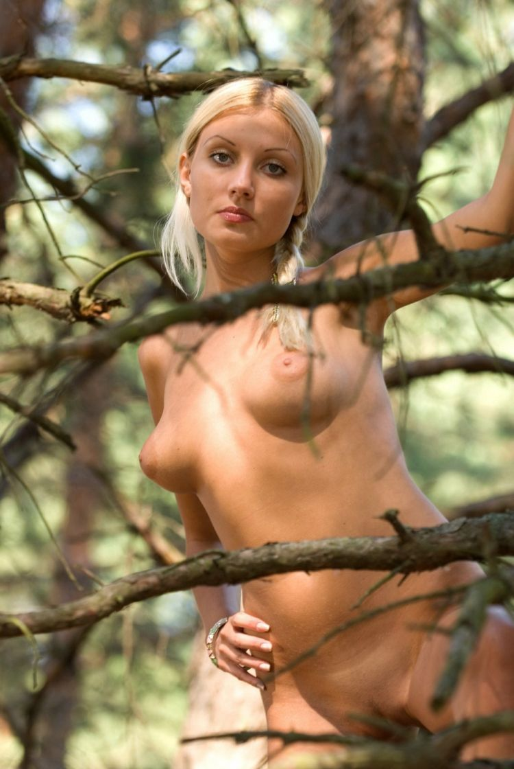 Hot Ebony Blonde Wood Nymph By Redmtnphotography