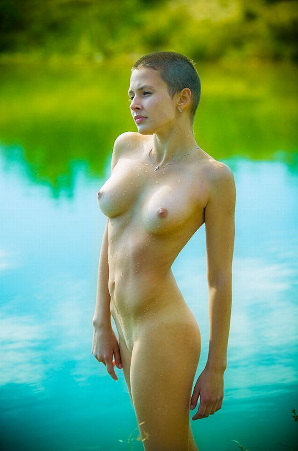 Seductive girls with short haircuts - 23