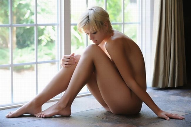 Seductive girls with short haircuts - 45