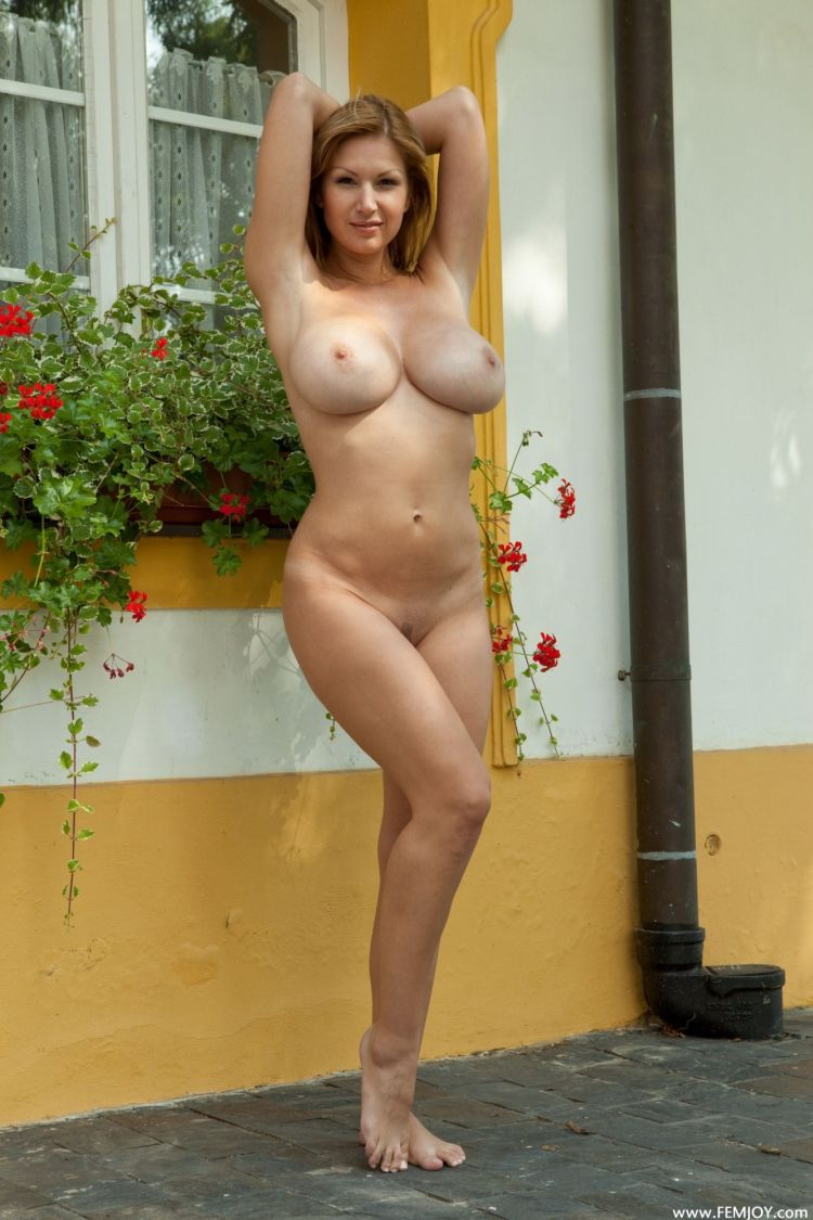 Busty muchacha with appetizing forms - 03