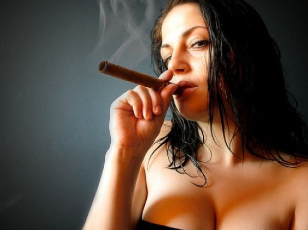 Babes with cigars, a fascinating show. Enjoy ;) - 20