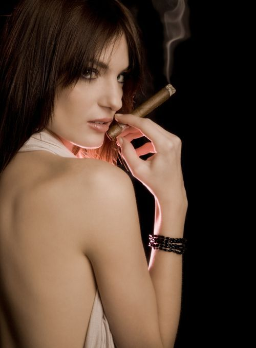 Babes with cigars, a fascinating show. Enjoy ;) - 23