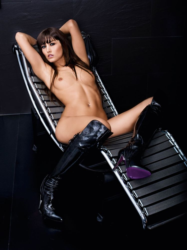 Babes in boots - 04