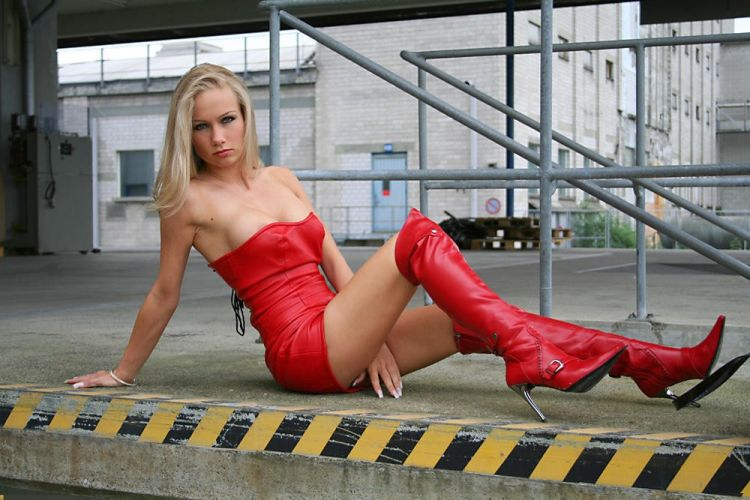 Babes in boots - 32
