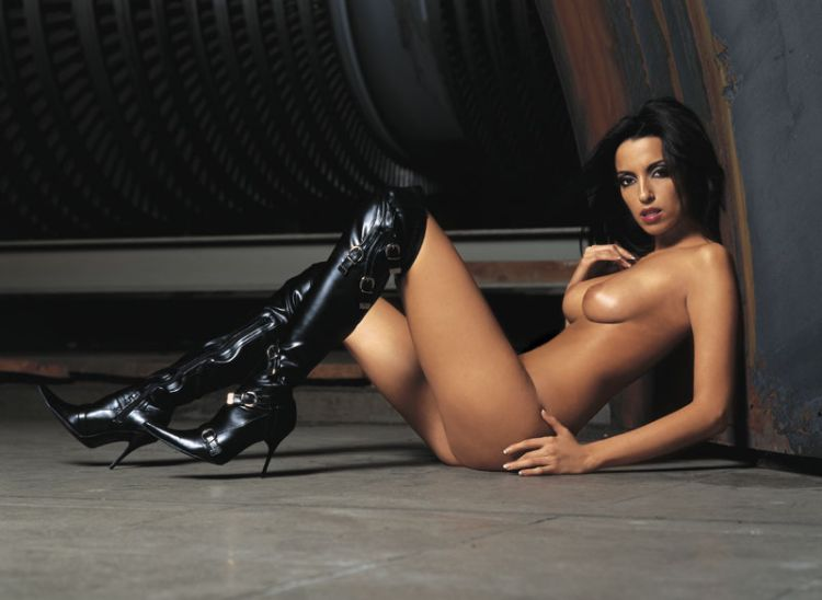 Babes in boots - 39