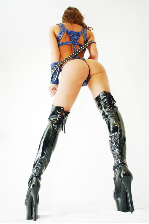Babes in boots - 41
