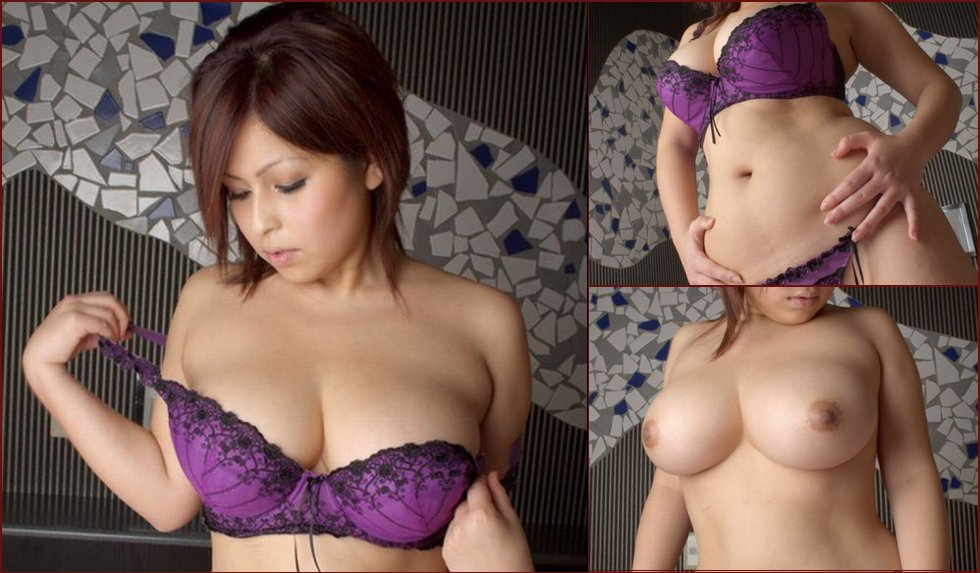 Wow! Japanese girl with magnificent forms - 1