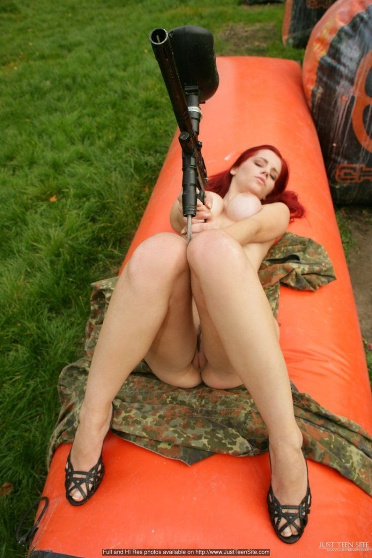 Sexy paintball with beauty Ariel - 10