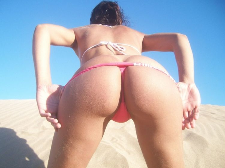 Beautiful ass and thongs - 01