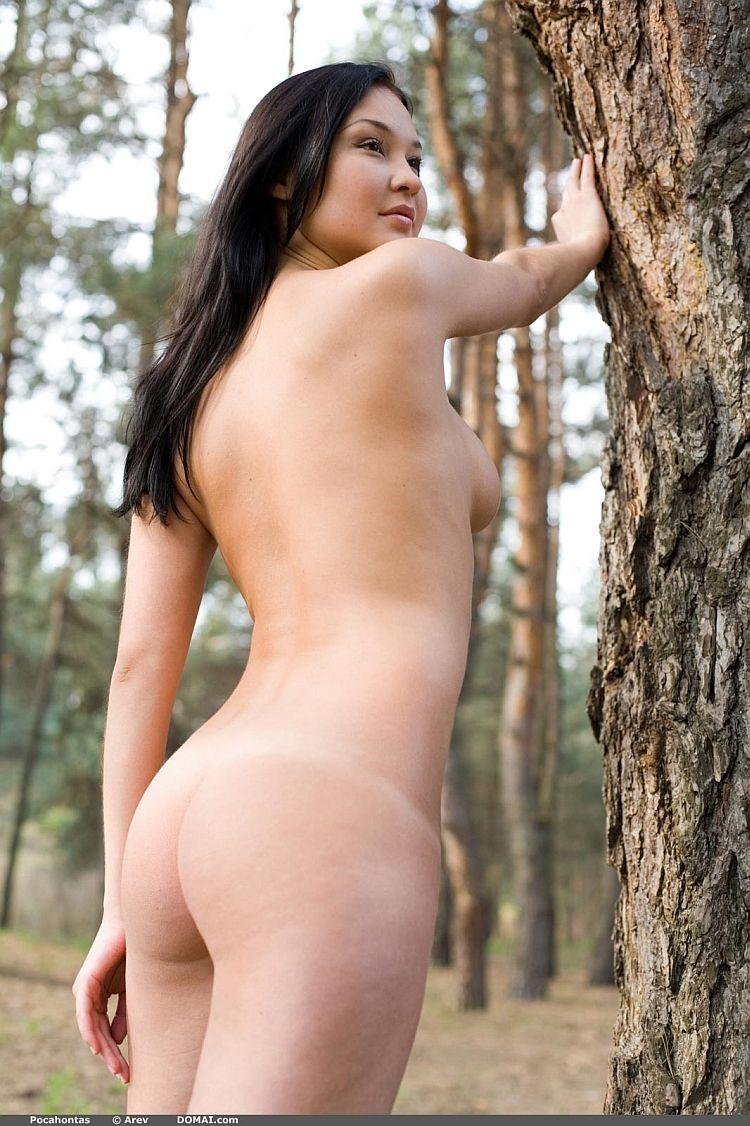Photoshoot of pretty Pocahontas outdoors - 04