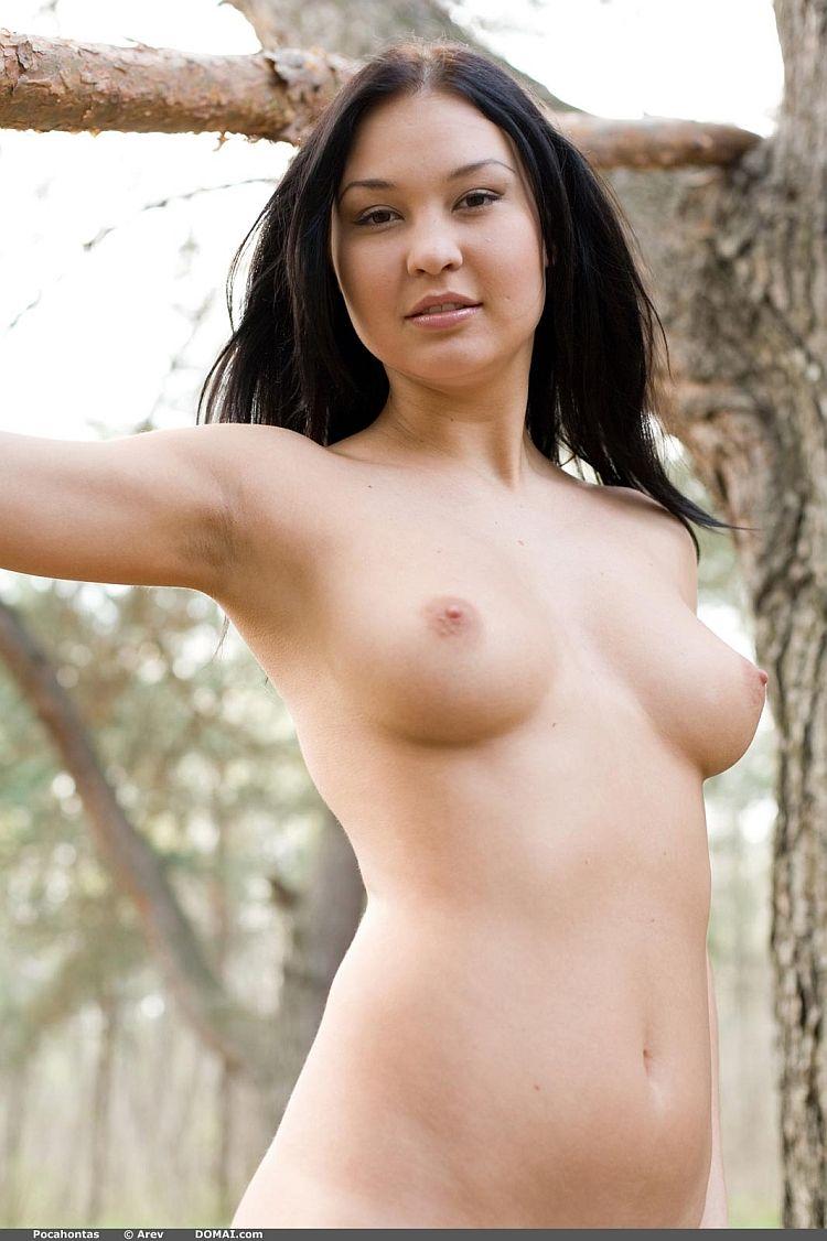 Photoshoot of pretty Pocahontas outdoors - 05