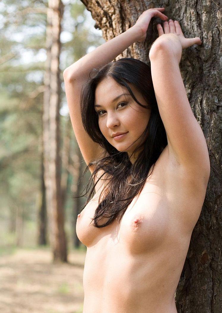 Photoshoot of pretty Pocahontas outdoors - 06