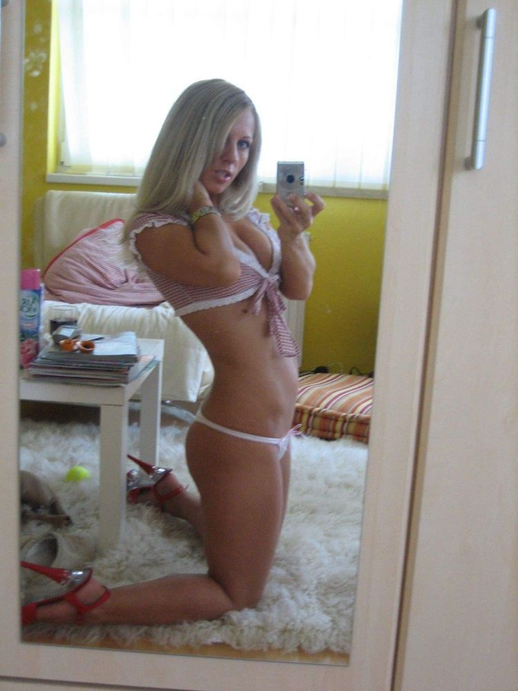 Private photos of slutty blonde - 03