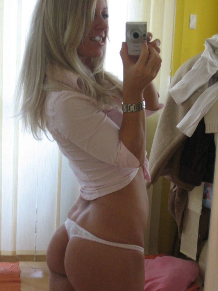 Private photos of slutty blonde - 04
