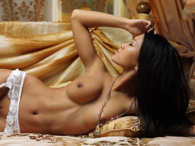 Glamorous Asian girl Mariko - 08