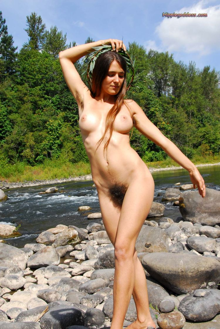 nude hippies