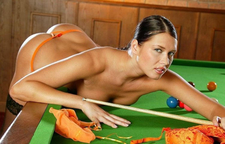 Girls and billiard - 02