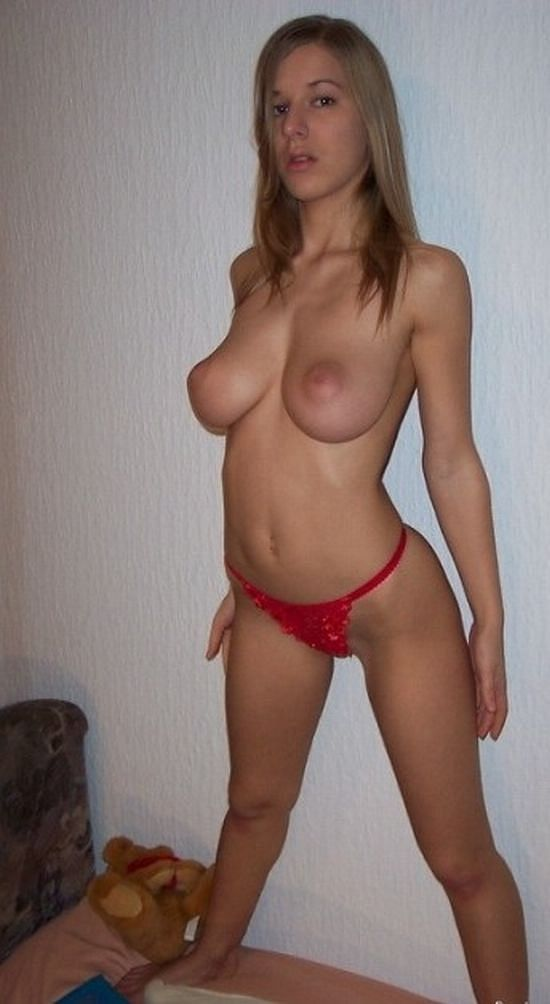 Amateur natural tits pictures