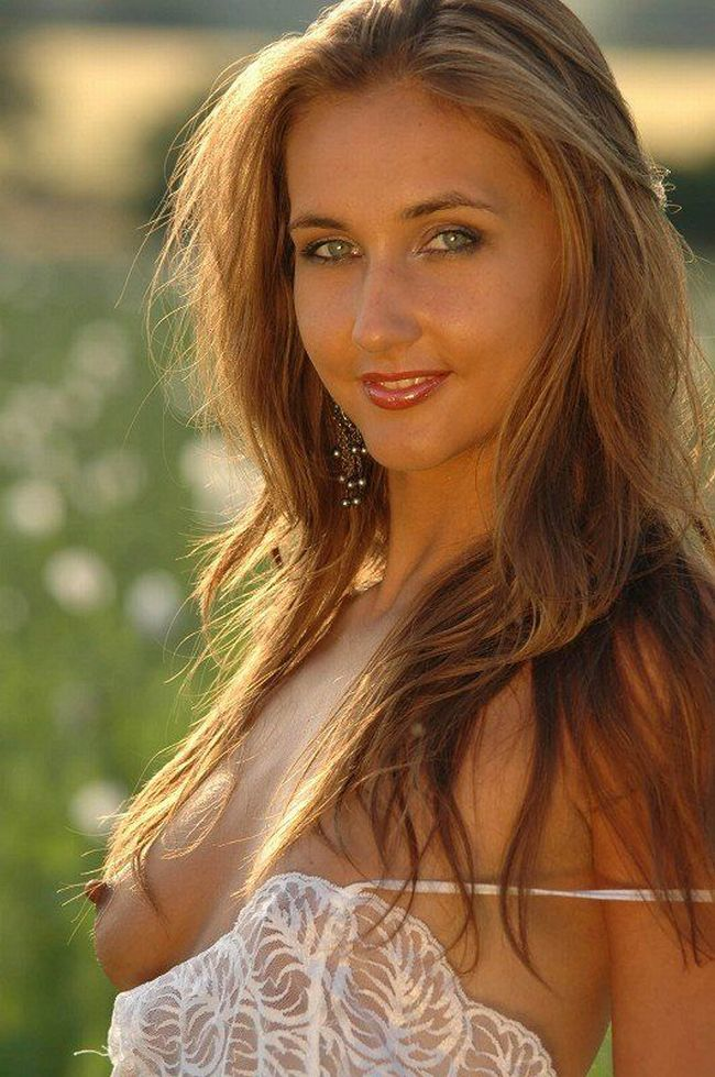 Franka, beautiful as a flower in a poppy field - 01